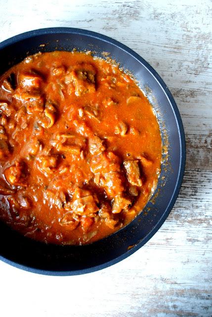 strogonow,kasza jaglana,pieprz ziołowy skworcu,ostra papryka skworcu,gulasz wołowy,wolowina