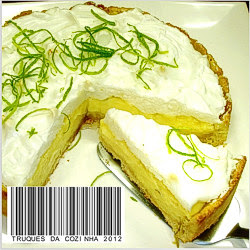 Torta de limão gelada com massa de biscoito