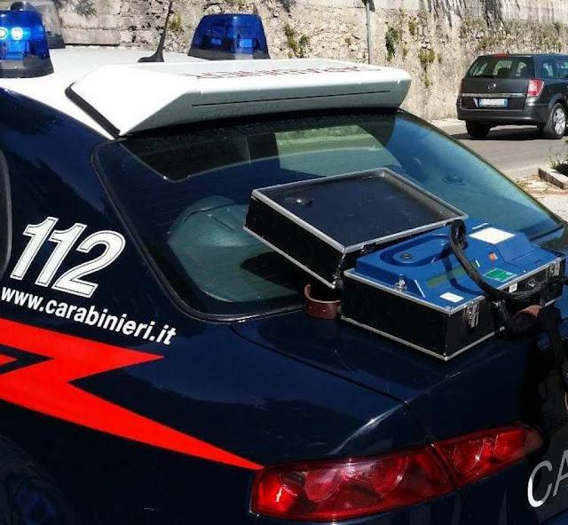 Grottaminarda (AV), i Carabinieri fermano auto sospetta, a bordo due ubriachi. Patente ritirata