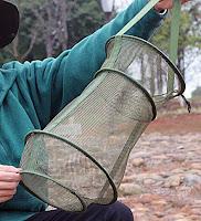 Su içinde balık taşımak için kullanılan küçük bir file
