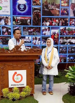 Ketua Umum DPD HA IPB Jabar terpilih Yana Hawi Arifin dan Sekjen Rini Yusuf. Foto : dok HA IPB DPD Jabar.