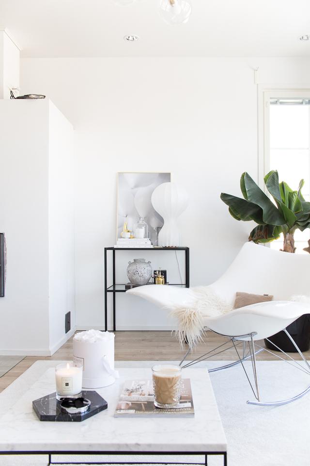 Stingray keinutuoli, villa h blogi, sisustus, olohuone, valkoinen koti