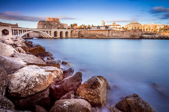 Vista de Ceuta desde un espigón