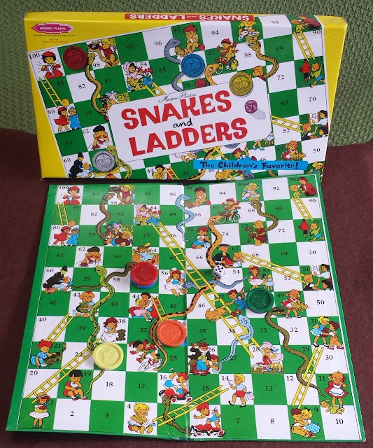 蛇と梯子 Snakes and Ladders