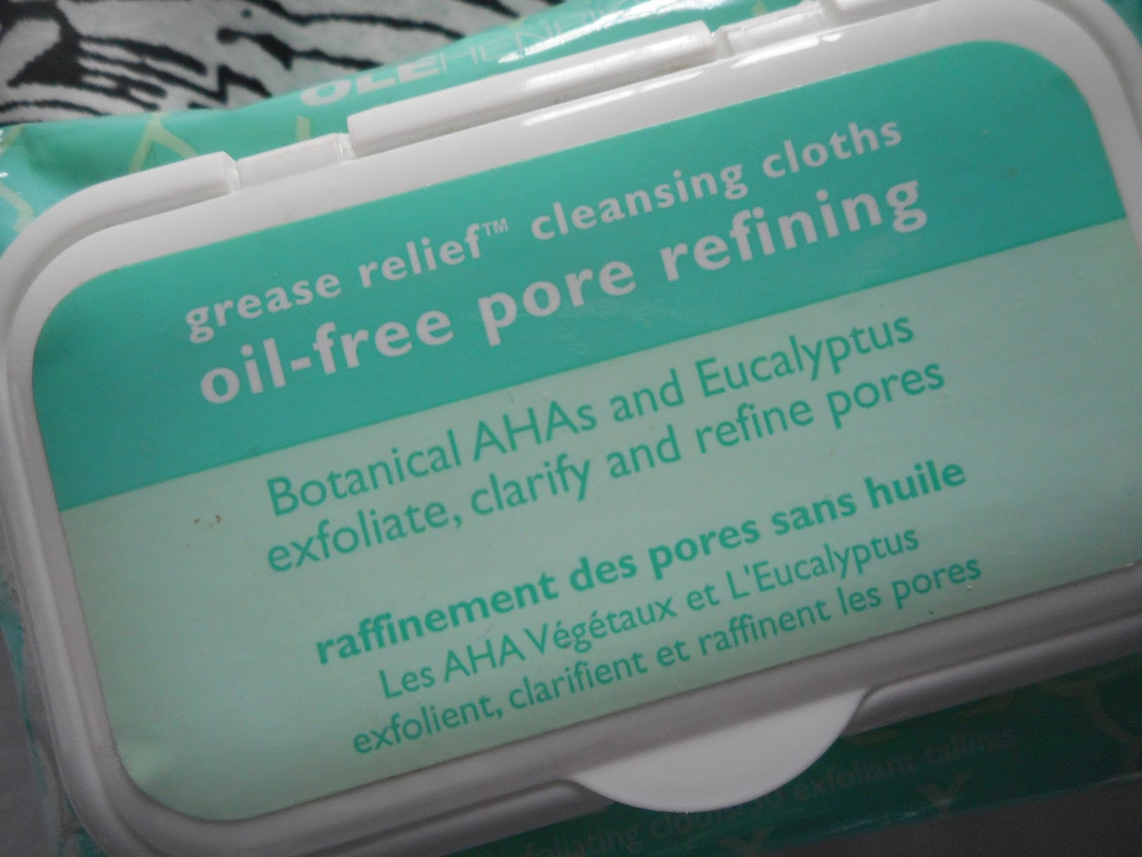 http://sophaarambles.blogspot.co.uk/2016/12/ole-henricksen-grease-relief-cleansing.html