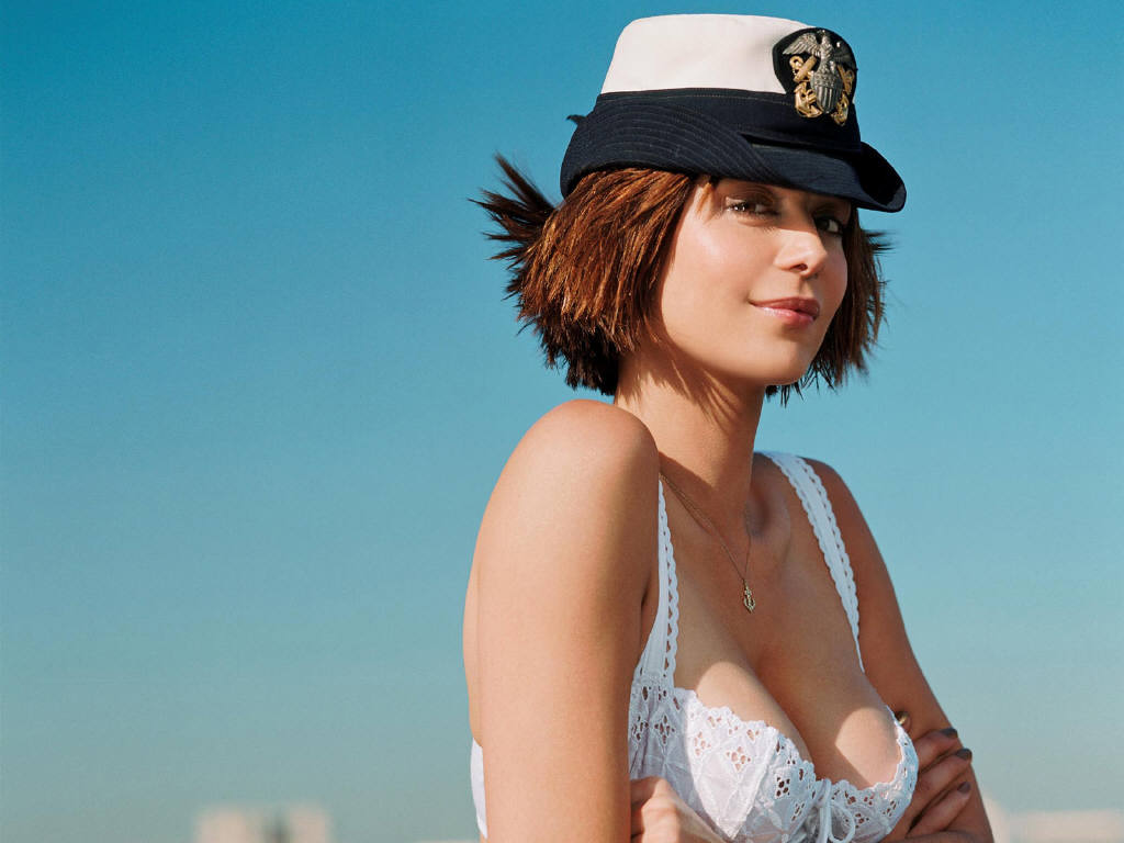 Happy Sunday Wallpaper With Quotes Kelly Broke Wallpapers Catherine Bell Hot Pics