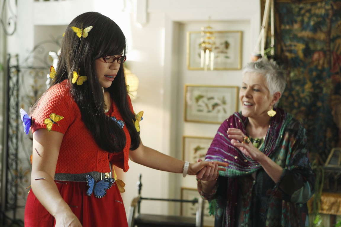 Ugly Betty - Season 4 Episode 01: The Butterfly Effect (1)