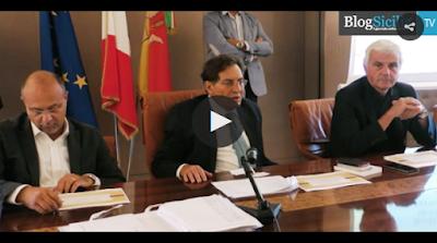 http://palermo.blogsicilia.it/da-un-milione-di-posti-di-lavoro-a-mille-cantieri-dal-patto-sicilia-crocetta-come-berlusconi/356475/