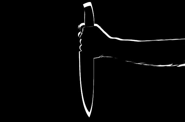 ete-meurtrier-couteau-arme-guerre-civile