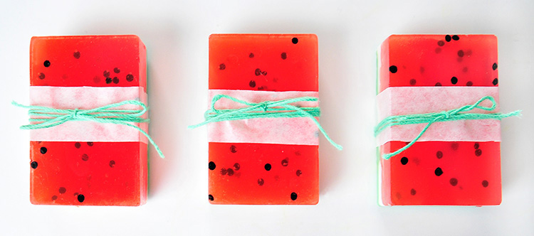 miss red fox diy wassermelonenseife. Black Bedroom Furniture Sets. Home Design Ideas