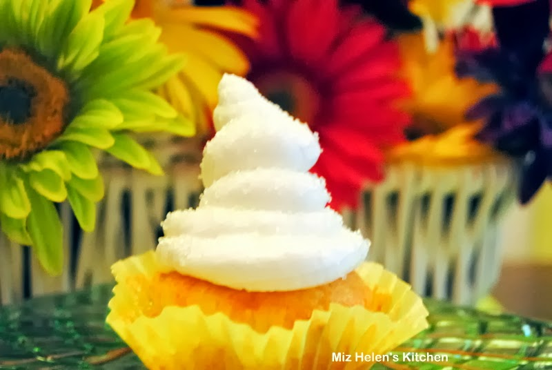 Tropical Cupcake at Miz Helen's Country Cottage