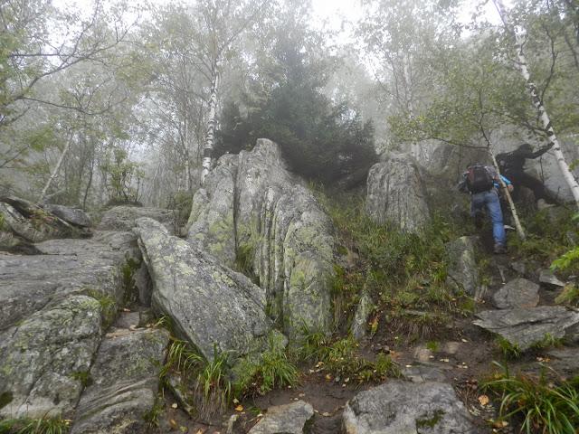 Подъём к вершине Двуглавой сопки
