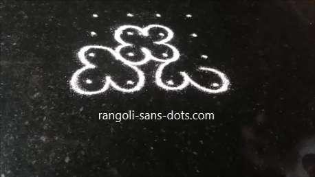 four-dot-rongoli-1a.png
