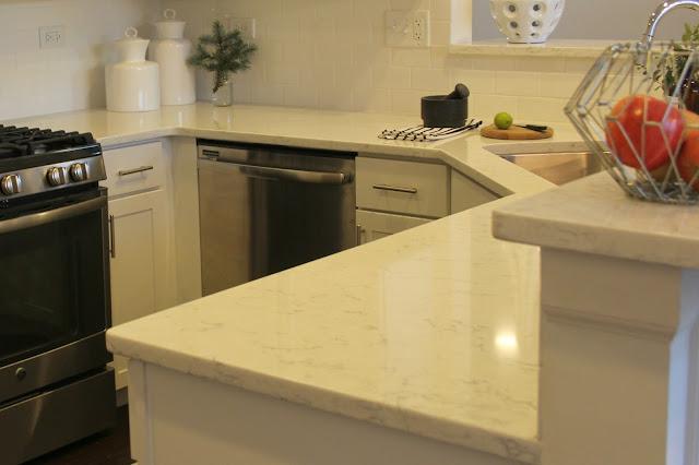 LG Viatera-quartz-Minuet-countertop-white-kitchen-stainless