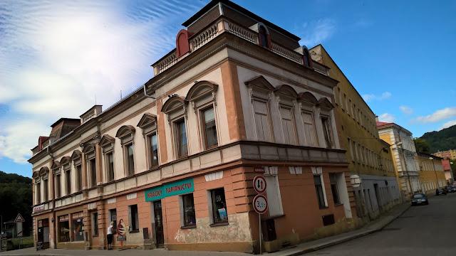 Osudy domů Sokolovská č.p. 108 a 109 - pletárna Florian Wurm & syn