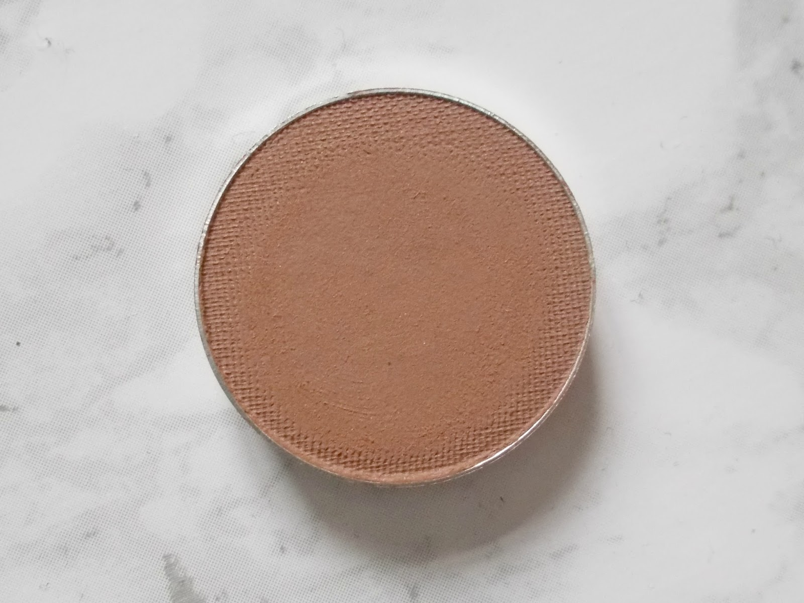 makeup geek latte eyeshadow pan
