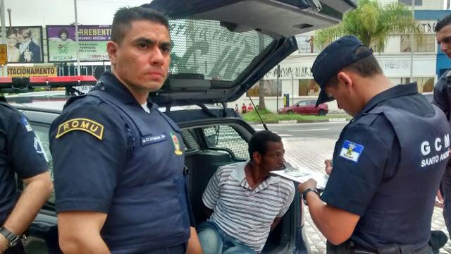 Ronda Setorial da GCM de Santo André detém marginal apos roubo de celular próximo  ao Paço Municipal