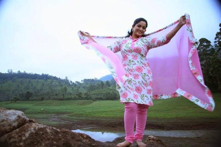 Old Malayalam Actress Kavya Madhavan Latest Photo