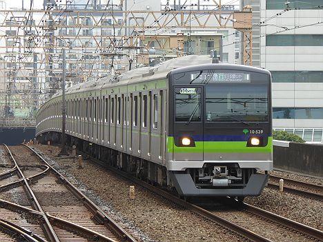 京王電鉄 急行 京王多摩センター行き11 都営10-300形530F(2015.6からの運行)