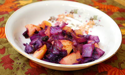 red cabbage, apples, and raisons