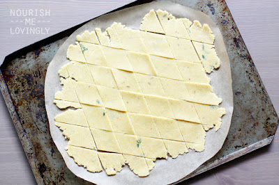Cheddar_thyme_crackers_dough_GAPS