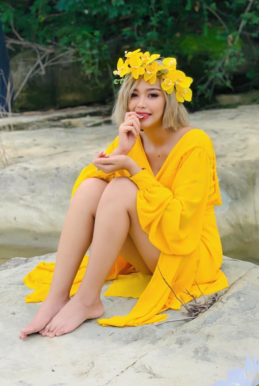 Nwe Nwe Tun - A Beautiful Girl With Yellow Dress Fashion