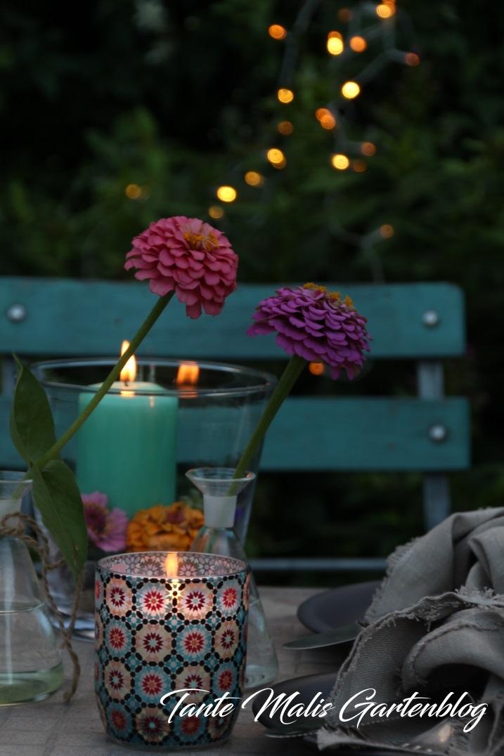 Romantischer Gartenabend