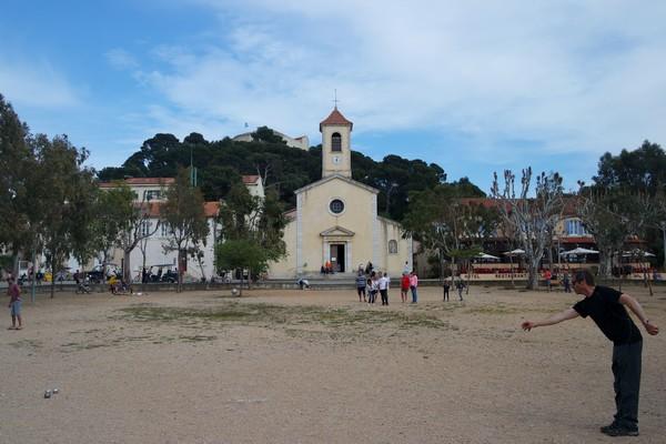 var porquerolles village église