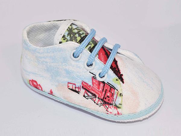Moda primavera verano 2018: Zapatillas de tela para bebés varones primavera verano 2018.