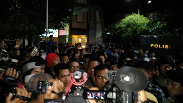 Konsumen Kecolongan, Mataram Mall Ditutup
