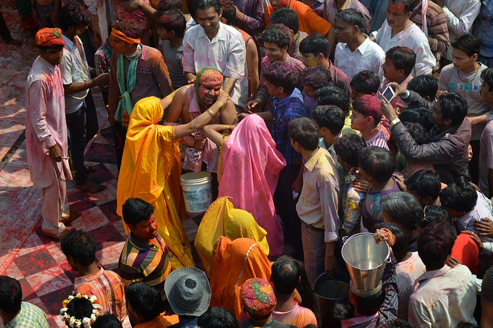 Dauji Temple Mathura Holi Huranga 2015 women men playing