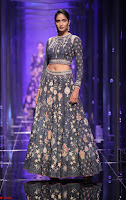 Lakme Fashion Week 2018   the tarakini collection by tarun tahiliani at lakme fashion week summer resort 2018 3  ~  Exclusive 008.jpg