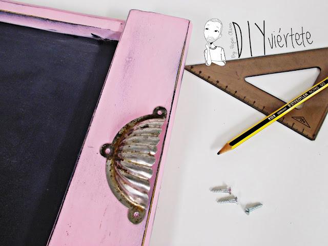 DIY-bandeja-madera-bricolaje-craquelé-pintyplus-pintar-chalkpaint-pizarra-rosa-desayuno-9
