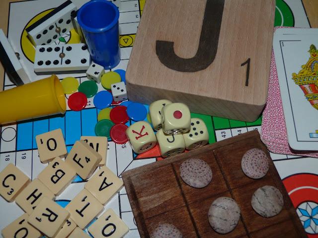 isabelvintage-vintage-juego-ficha-scrabble-tres en raya