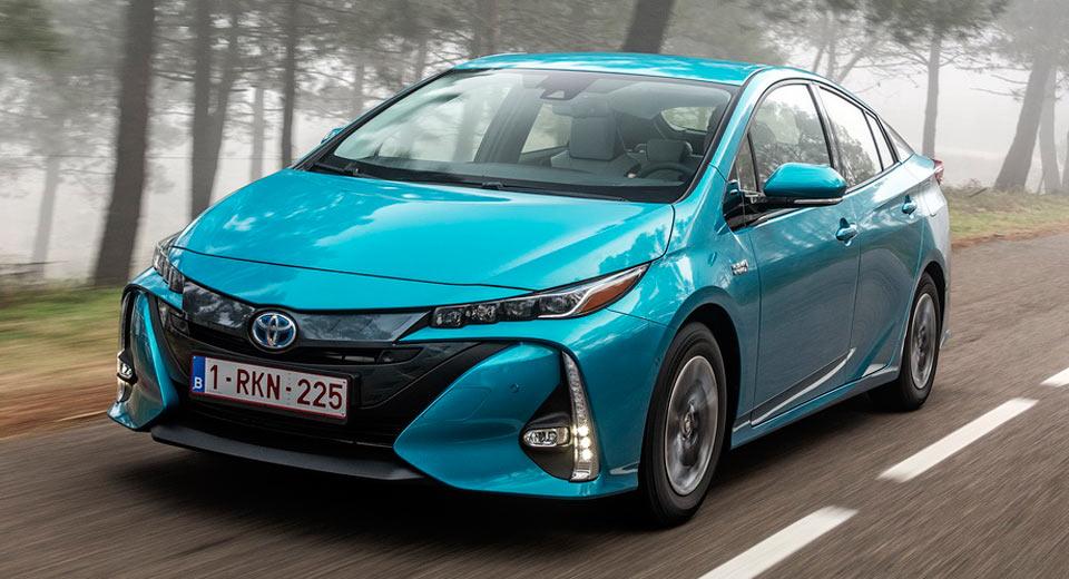 Toyota Prius Phev Uk