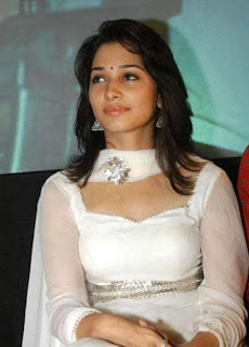ALL CELEBRITY GOSSIPS: Actress Tamanna Bhatia Sexy Lip ...