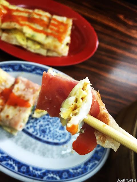 IMG 3865 - 【台中早餐】讓湯包一口咬下就爆漿的『老舖子』湯包,一早就充滿著排隊人潮,自製蛋餅更是一絕!!!@爆漿湯包@自製蛋餅@台中早餐