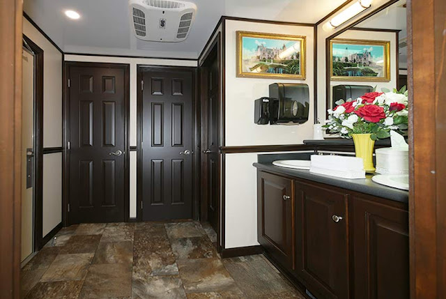 Biltmore Luxury Restroom Trailer for VIP Special Events