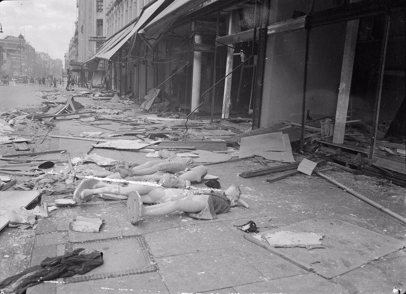bombing london the london blitz essay