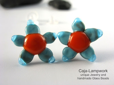 tuerkise Bluemchen aus Glas