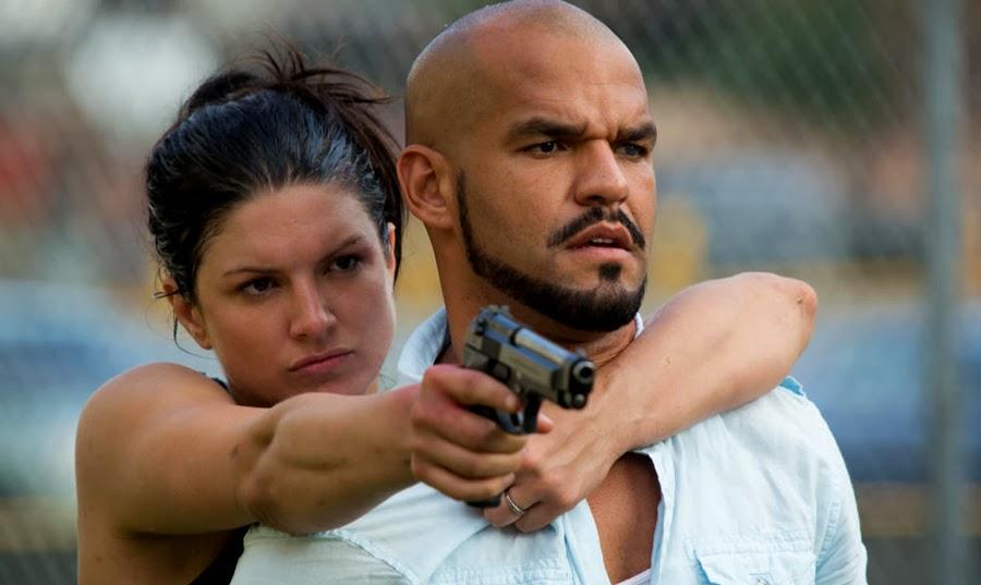 Gina Carano şi Amaury Nolasco în filmul de acţiune In The Blood