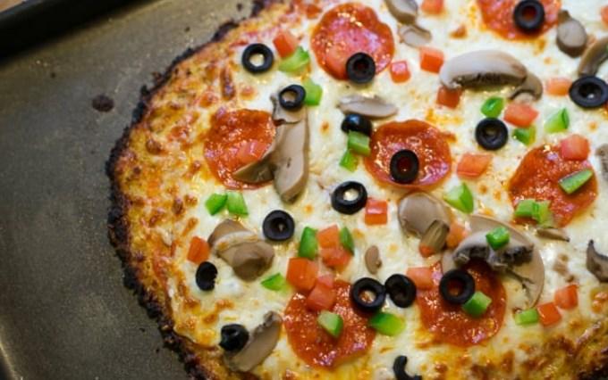 Cauliflower Pizza Crust #healthy #glutenfree