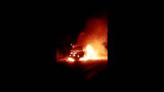 Carro funerária pega fogo