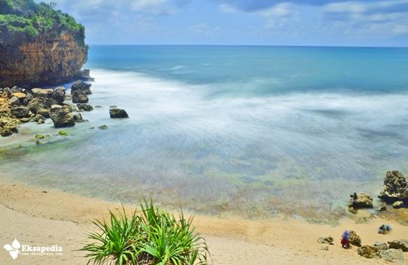 Pantai Pasir Putih Di Yogyakarta