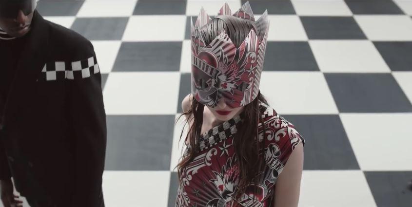 Modello e modella OVS pubblicità Jean Paul Gaultier con Foto - Testimonial Spot Pubblicitario OVS 2016