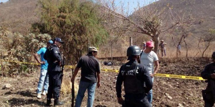 Grupo armado ejecuta por disputa por el agua  a excomisario y su hijo Zotoltitlán en Guerrero