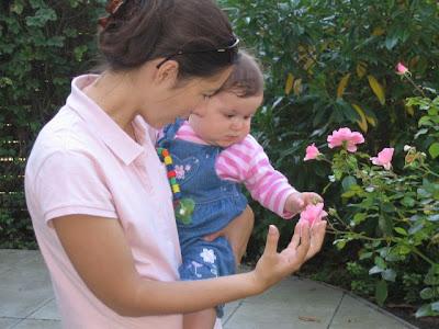 Babygebärde Blume