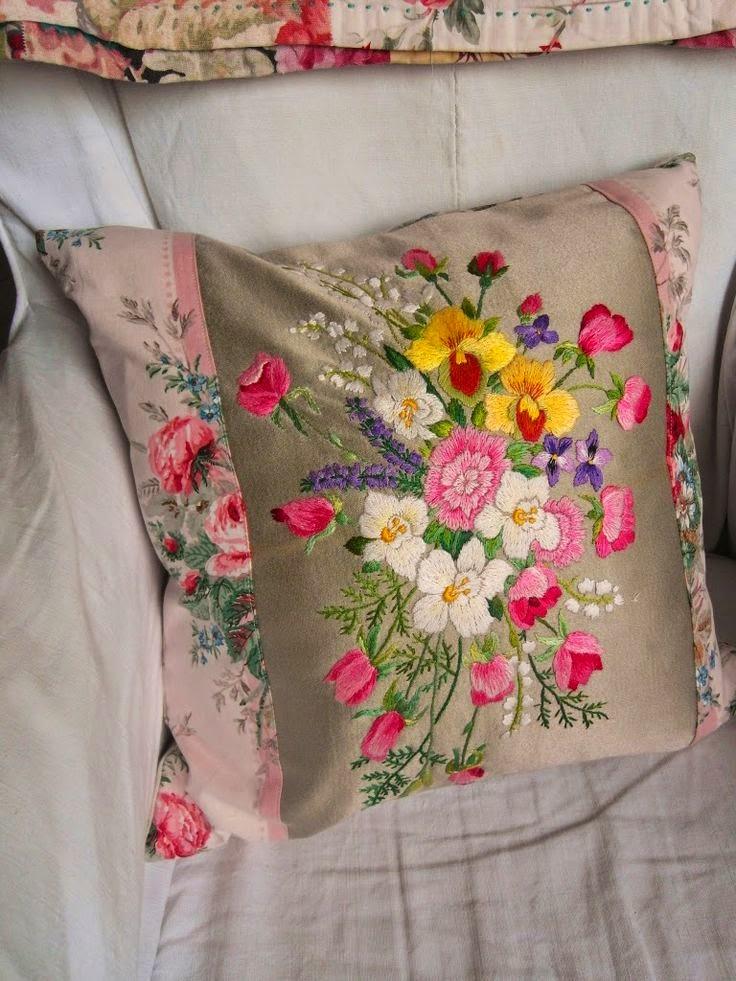 haftowana poduszka