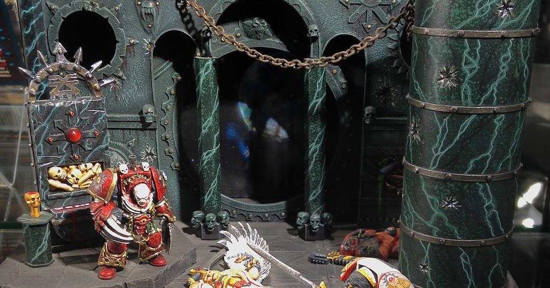 Warpstone Flux: Warhammer World: Horus vs Emperor