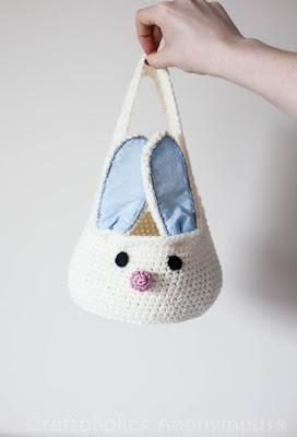 Borsetta o cestino a forma di coniglio all'uncinetto